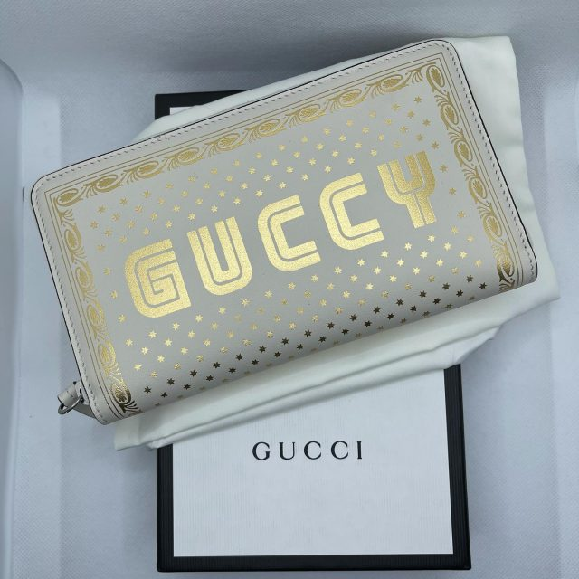 Guccy wallet Magnetismo & Becchin' Amore  Retail 990$ Contact us to order