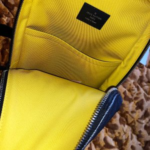 Louis Vuitton – Avenue Sling Bag SS20